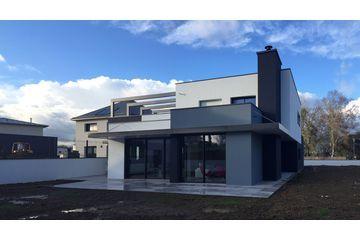 Réalisé par l'agence d'architecture 2.2 vues  Construction de maison Retrouvez la fiche sur Archidvisor