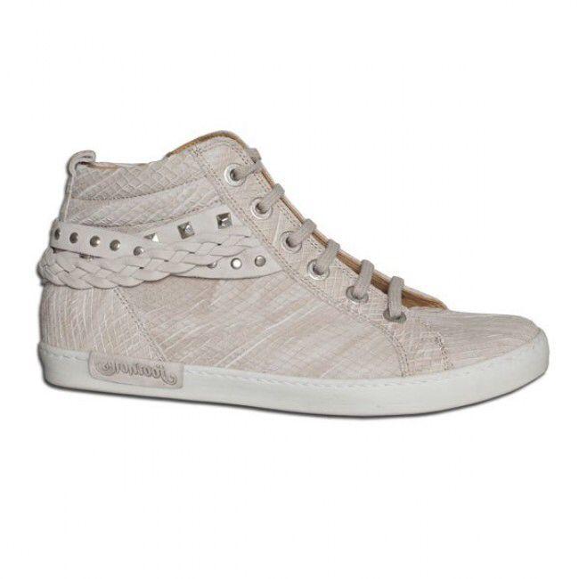 Footnotes sneaker