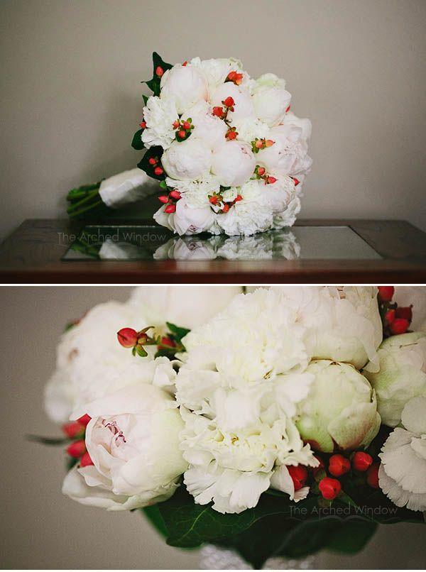 Pethers Resort Wedding Mt Tamborine. Flowers by Bridal Wedding Flowers. Photography by Mt Tamborine wedding photographers The Arched Window.