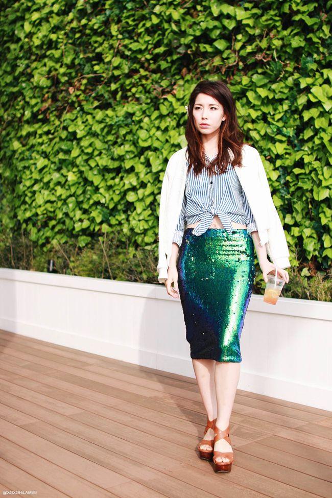 OOTD | ストライプシャツとスパンコールスカートで海辺のカジュアルシックコーデ - Fashion Blogger xoxoHilamee | 日本人ファッションブロガー #streetstyle #Japanesefashion #blogger #ootd #outfit #xoxoHilamee #MizuhoK #ストリートスナップ #コーデ #ファッションブロガー #コーディネート #ファッション #スパンコールスカート #ストライプシャツ #ホワイトブルゾン