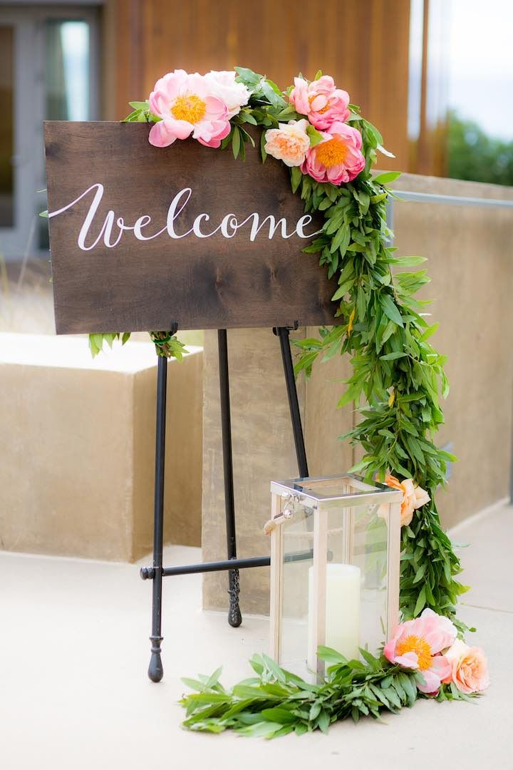 Wedding ceremony idea; Featured photographer: The Youngrens