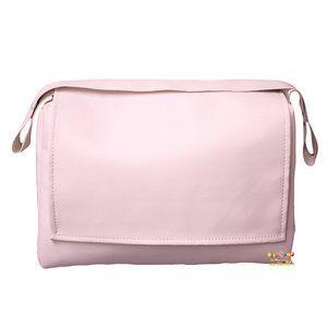 Stijlvolle, roze luiertas met handige flap en rits gemaakt van zacht kunstleer. De luiertas heeft een afmeting van 40x28x16