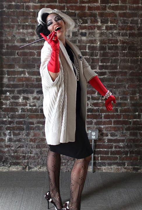 Cruella DeVille / Halloween costume ideas for women / easy Halloween costume for…