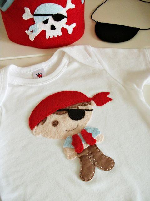Dikkat !! sadece küçük korsanlar giyebilir :) by cicişeylerdükkanı, via Flickr