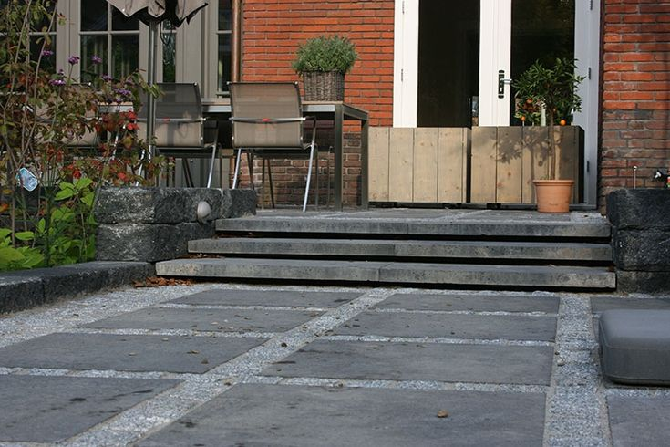 Meer dan 1000 idee n over houten terras op pinterest tuinparaplu 39 s patio en dineren in de tuin - Terras van huis ...