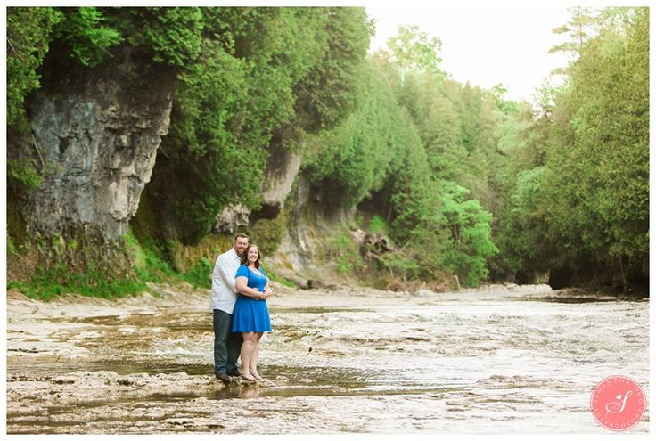 A Serene Engagement in Elora Gorge (Guelph, Ontario)    © 2016 Samantha Ong Photography www.samanthaongphoto.com #samanthaongphoto #engagement #engagementphotos #eloragorge #nature
