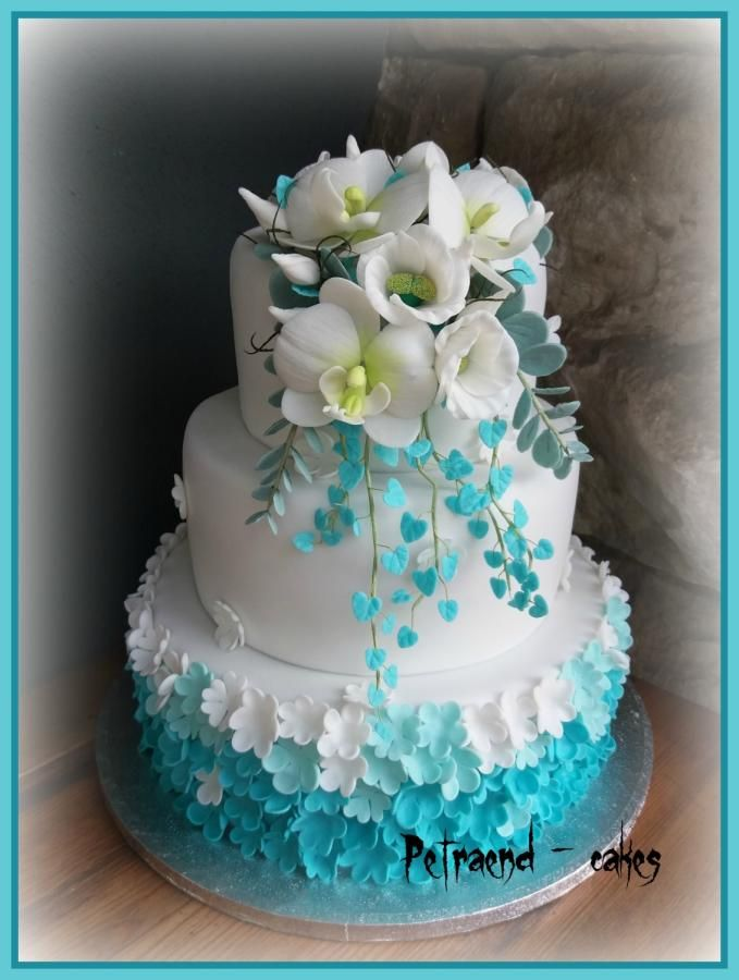Wedding turquoise cake by Petraend