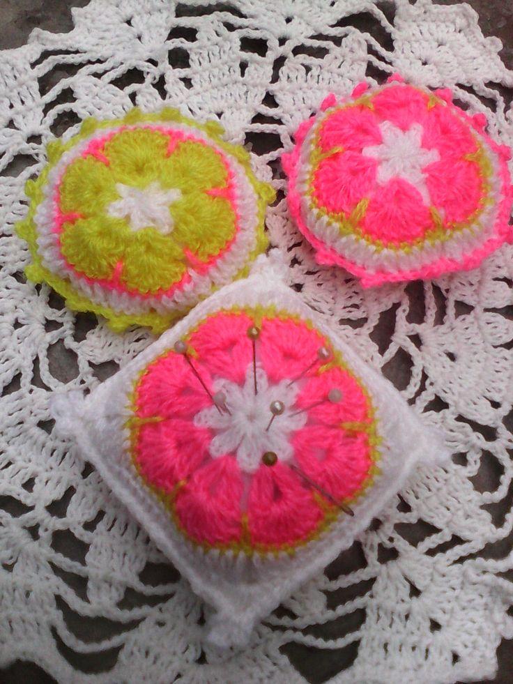 crochet some pincushions