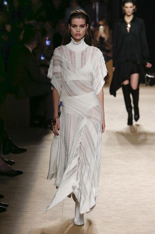 Robe de mariée Roberto Cavalli Fashion Week automne-hiver 2018-2019