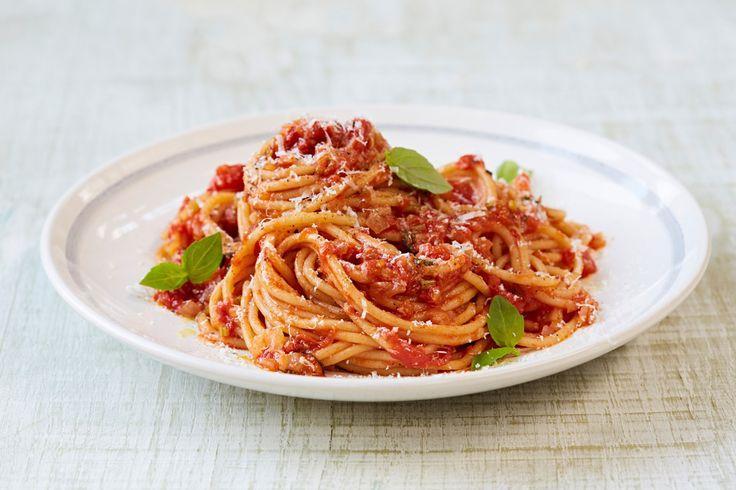 10 twists on Jamie's classic tomato spaghetti - Jamie Oliver | Features#pgqDKl9h6HhsmoG6.97#pgqDKl9h6HhsmoG6.97