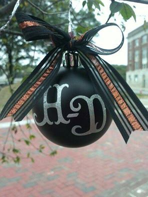 Put some H-D on your tree with this Harley-Davidson Christmas ornament.