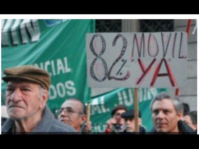 """Hace unos días un vídeo nuevo de Cristina Fernandez de Kirchner salió en las noticias, se llama """" No me Olvides """" en plena alusión a la época donde el peronismo era prohibido y se hacía militancia con la flor del no me olvides, www.fmcomos.com  #´política #corrupción #Facción kirchnerista #JUBILADOS #MILITANCIA K #No me olvides #peronismo"""