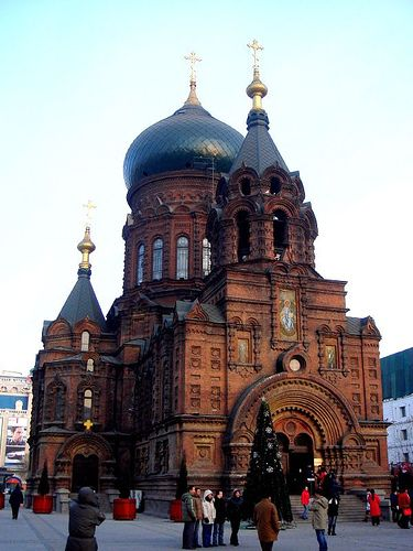 St.Sofia Orthodox Church is the largest Orthodox Church building in the Far East. It was built early in the 20th century, for the Russians and other Orthodox people living around Harbin. The style of the building is Neo-Byzantine.