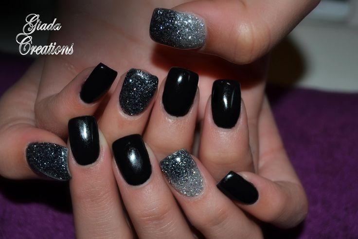 ricostruzione unghie in gel , total black ... Giada Creations