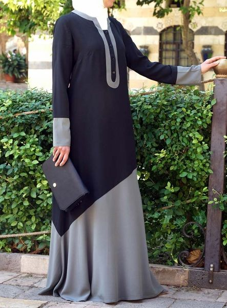 Like the name suggests, this whimsical Abaya drapes like a dream. Crafted from comfortable rayon, we love the delicate details and bold color combinations which make it pop. Cut in a loose yet flattering silhouette, this will become one of your favorites in no time.