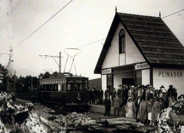 Estación de Peinador de la línea de tranvías Vigo - Porriño inaugurada el 14 de Marzo de 1920. Esta estación lleva el nombre de Enrique Peinador Vela fundador del balneario de Mondariz y fundador de la sociedad de tranvía de Mondariz a Vigo. La línea Vigo- Porriño dejo de funcionar el 13 de febrero de 1967