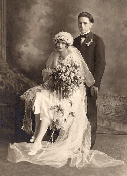 +~+~ Antique Photograph ~+~+ Stunning early 1900's wedding portrait.