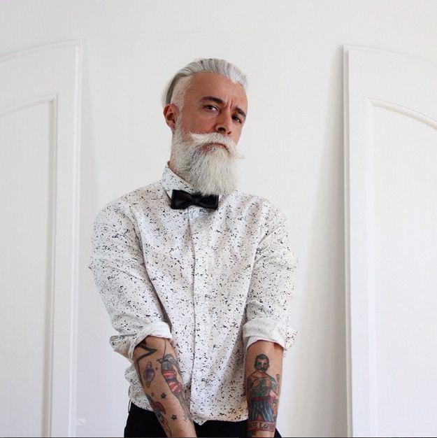 @Alessandro_manfredini. Otro ejemplo de que el pelo blanco y barba no solo le lucen a San Nicolás.   18 Hombres barbudos que facilitan que te enamores en noviembre