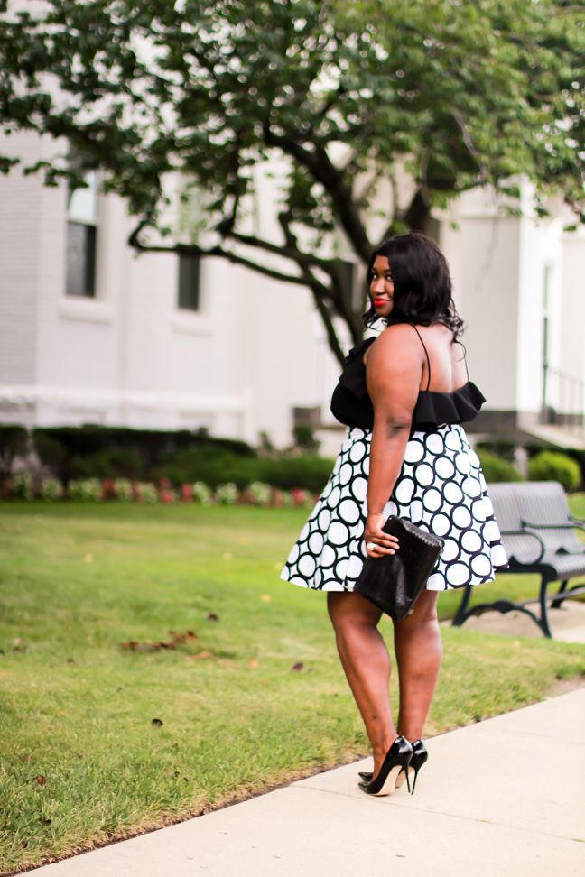 Shapely Chic Sheri - Curvy Fashion and Style Blog: Classic Contrast