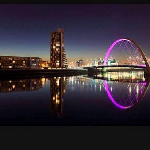 Glasgow é uma cidade portuária no rio Clyde em planícies ocidentais da Escócia. É famosa por sua arquitetura vitoriana e rico legado de prosperidade devido ao comércio e construção naval dos séculos 18 e 19. #viajandopelomundo #scotland #escocia #glasglow #viajarfazbem by wanderlust_live