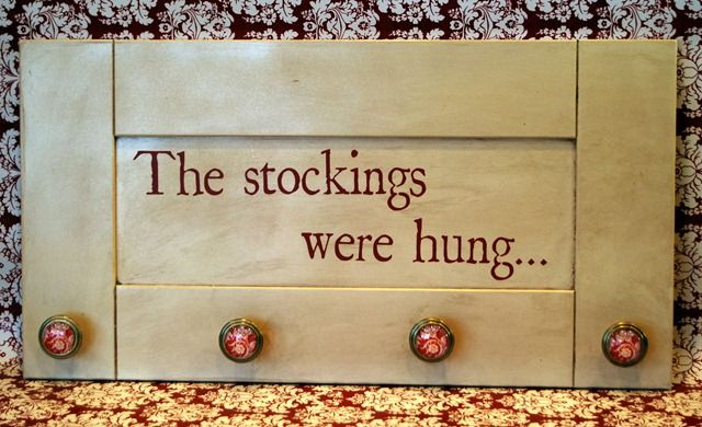 Better than putting push pins in the mantle! : Fireplaces Mantles, Fireplaces Mantels, Stockings Hangers, Cute Ideas, Christmas Stockings, Christmas Decor, Diy Christmas, Fire Places, Cabinets Doors