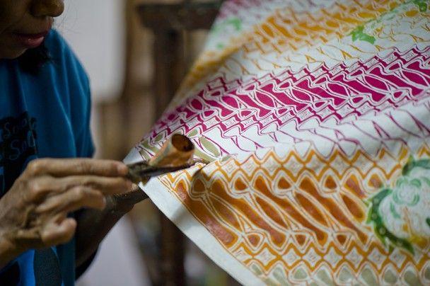 Proses Pembuatan Batik Tulis Pekalongan [ batik.rayana.id | Toko Batik Online Terlengkap & Terpercaya }
