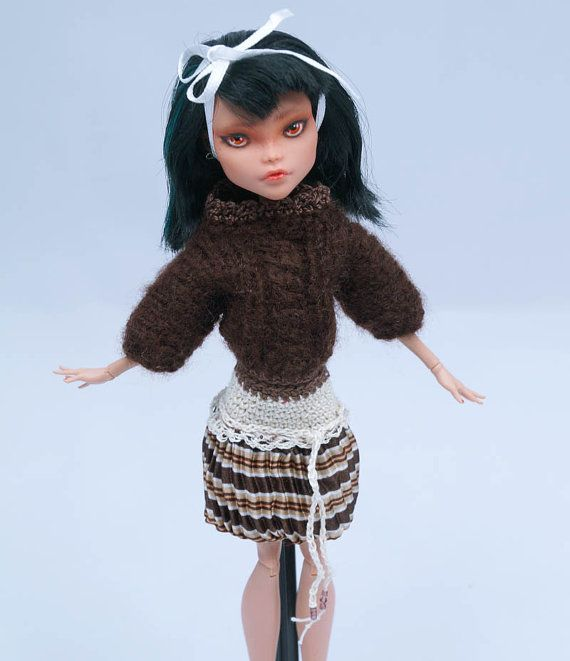 Brown knitted SWEATER with beige-brown pleated by ZomiDollClothes