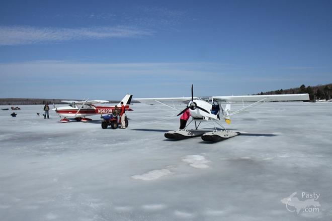 Huron bay ice fishing lake superior and the upper for Fishing lake superior