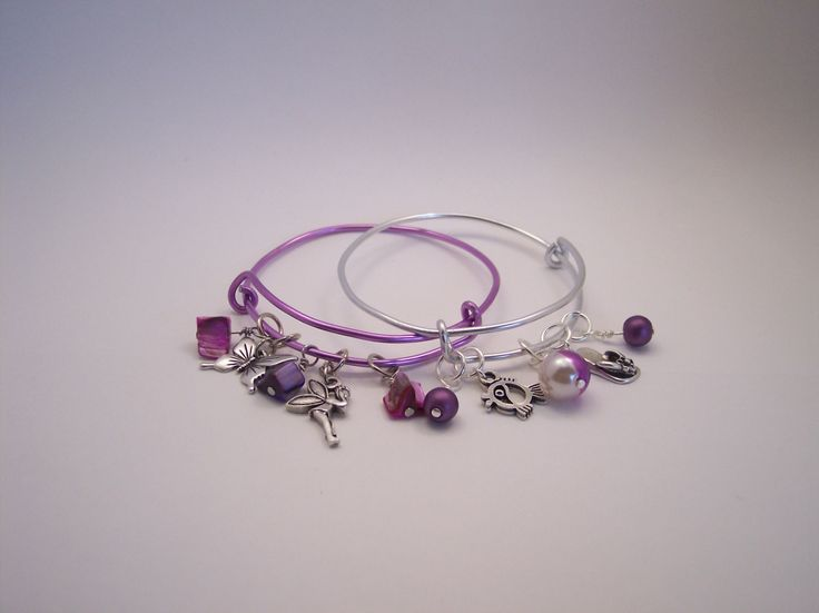Bracelets adjustable with coloured wire and charms - pinned by pin4etsy.com