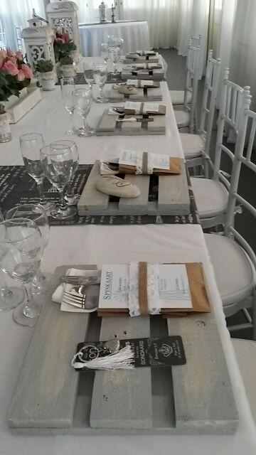 Rustic,vintage bridal table at Oak House venue in Cullinan