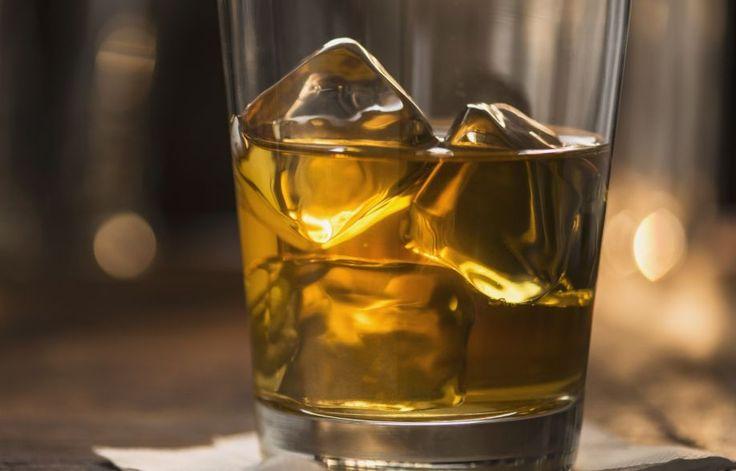 Πώς το αλκοόλ μπορεί να σας βοηθήσει να αδυνατίσετε