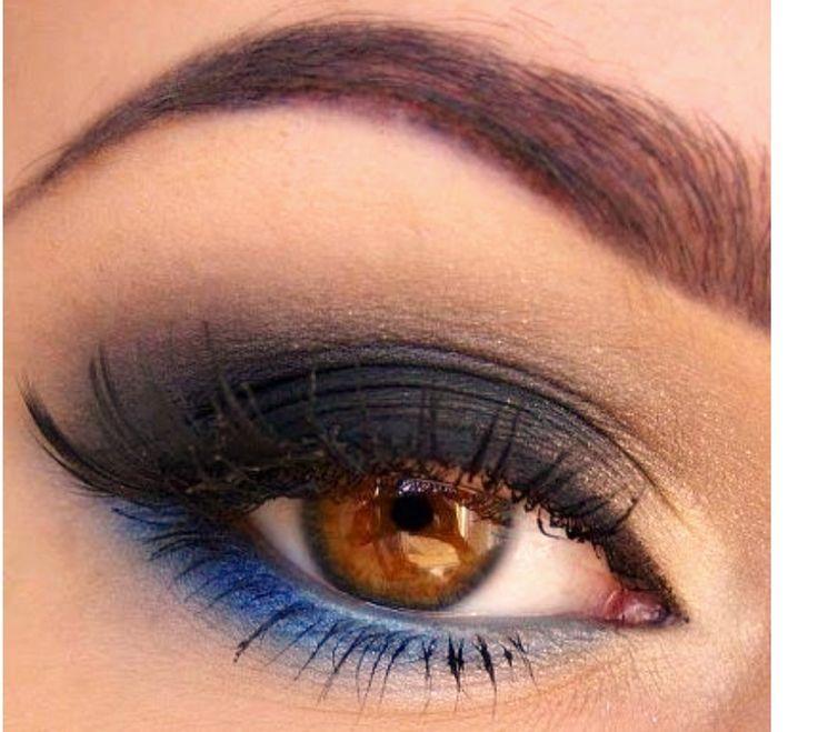 maquillaje de ojos con color negro y azul se puede usar para bodas en en da