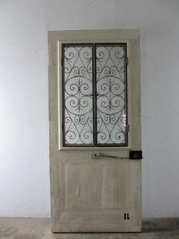 Antique Door With Ironworks アンティーク扉