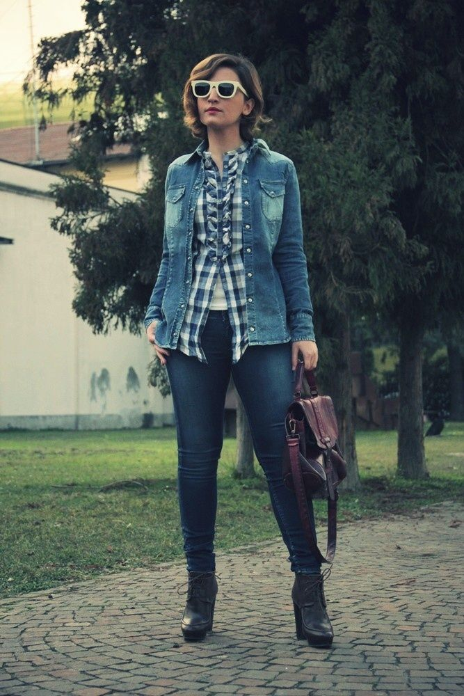 A great fashion blogger with a Mialuis Burgundi Bag #miaddicted #mialuis