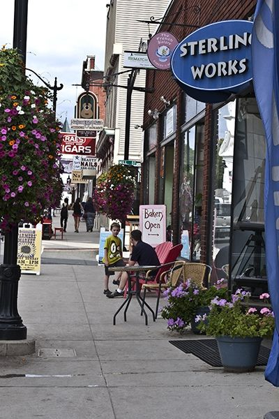 A Walkable Weekend in the Town of Littleton - New Hampshire Magazine - November 2014