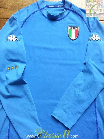 Relive Italy's 2000/2001 international season with this vintage Kappa home long sleeve football shirt.