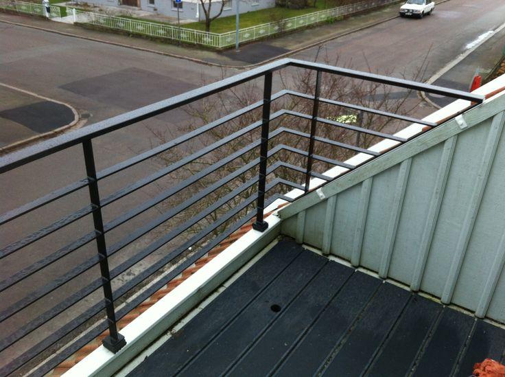 Balkongräcke med liggande ribbor