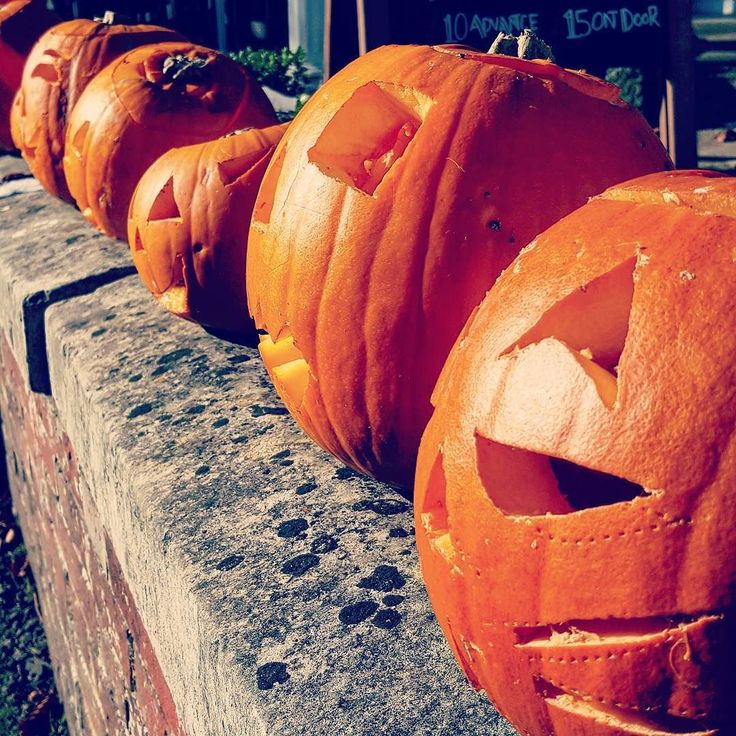 A lovely few days just spent at the Georgian Hotel & Spa in leafy #Haslemere where the whole village seems to be seriously revving up for #Halloween!