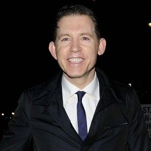 HAPPY 54th BIRTHDAY to LEE EVANS!!   2 / 25 / 2018 British comedian and actor known for his physical and musical humor. He appeared in the films Mouse Hunt, The Fifth Element, and There's Something About Mary.