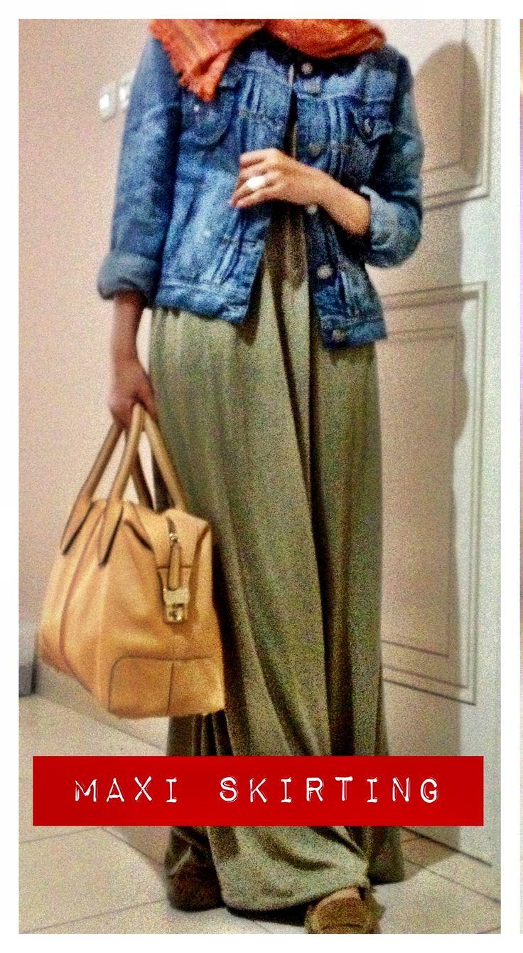 Maxi Skirt. D-Bauletto Tod's Bag.