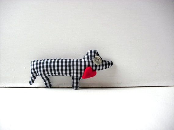 Irene the dachshund  Fabric brooch  OOAK soft by fattidame on Etsy, €13.00