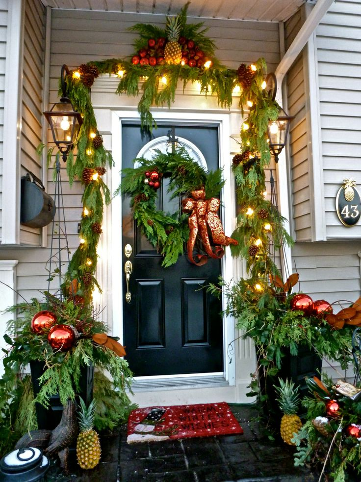 529 best Williamsburg Christmas Decorations images on ...
