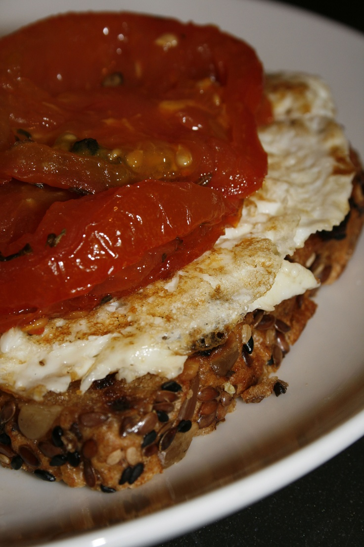 Open-Faced Egg Tomato Sandwich | Healthy eats | Pinterest