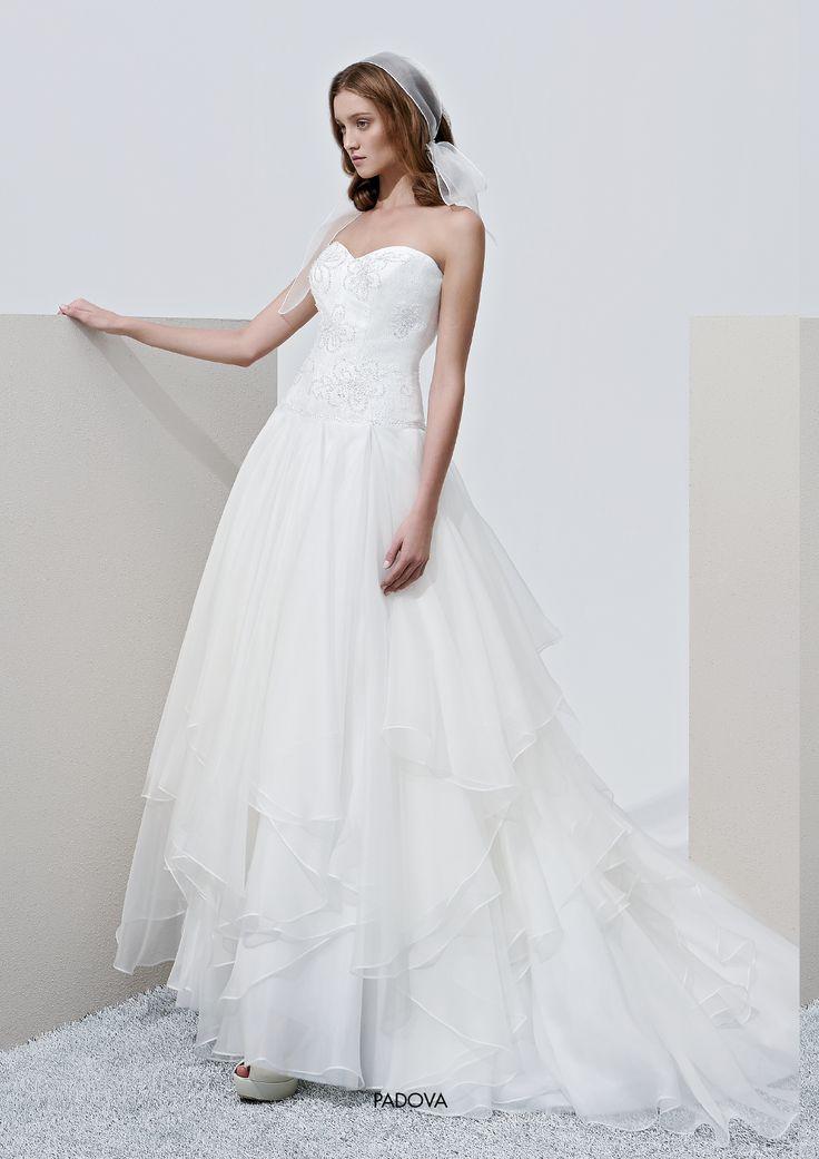 "Collezione Privée 2015 - Elisabetta Polignano  ""Padova"": gonna ampia con tulle #wedding #weddingdress #weddinggown #abitodasposa"