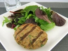 Coriander Ginger Turkey Burgers: this is a perfect summertime bbq dish. Sit back, grill it up and enjoy the sunshine!