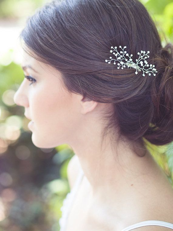 Hey, I found this really awesome Etsy listing at https://www.etsy.com/au/listing/183454187/crystal-hair-brooch-babys-breath-comb