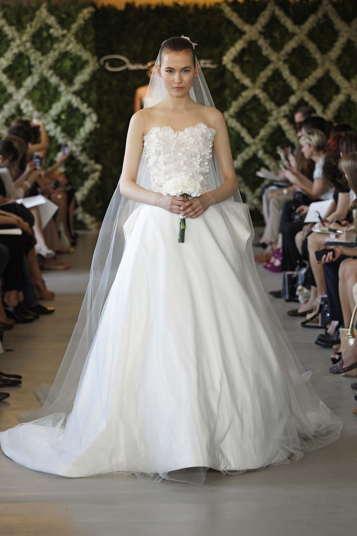 77 best WeddingGownsILove images on Pinterest | Bridal gowns ...