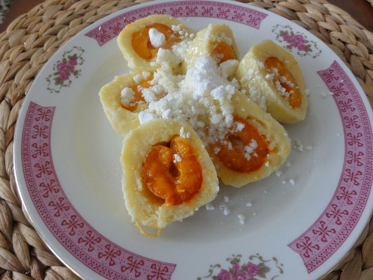 Jak uvařit meruňkové knedlíky z odpalovaného těsta | recept