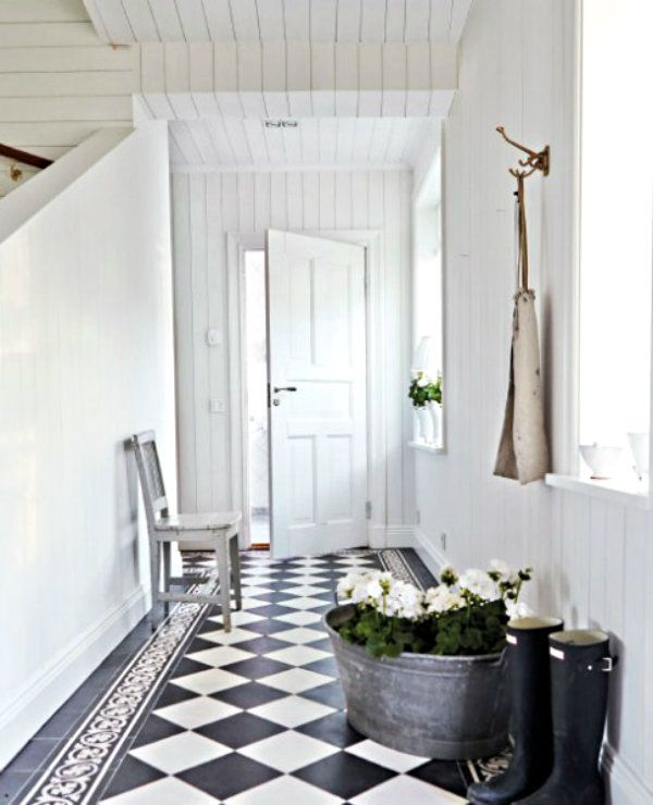 """I've been seeing more designers and celebs choose these """"elegant"""" old school black and white marble floors for their homes."""