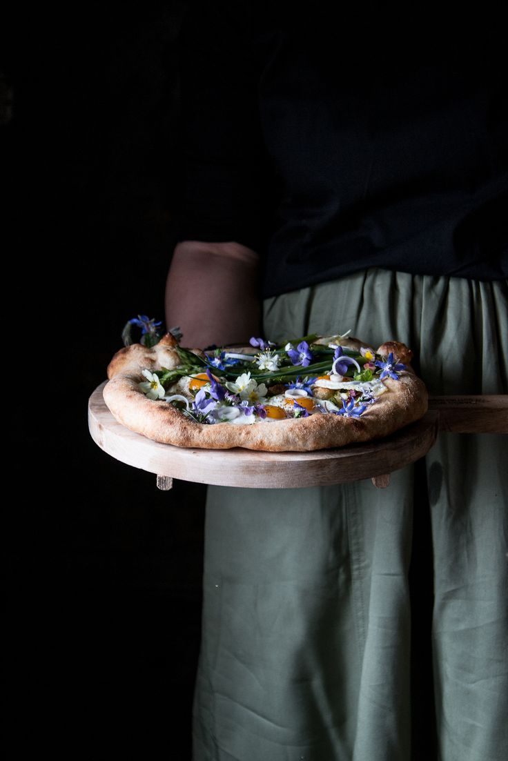 Pizza Con Asparagi 7 Di 1 Food Food Photography Dark Food